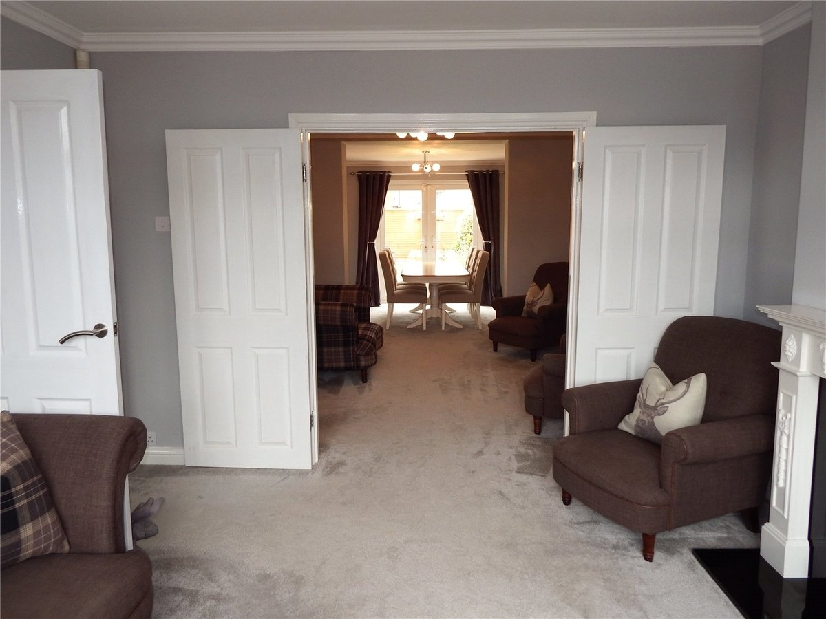 4 bedroom  House to rent in Gloucestershire - Slide-7
