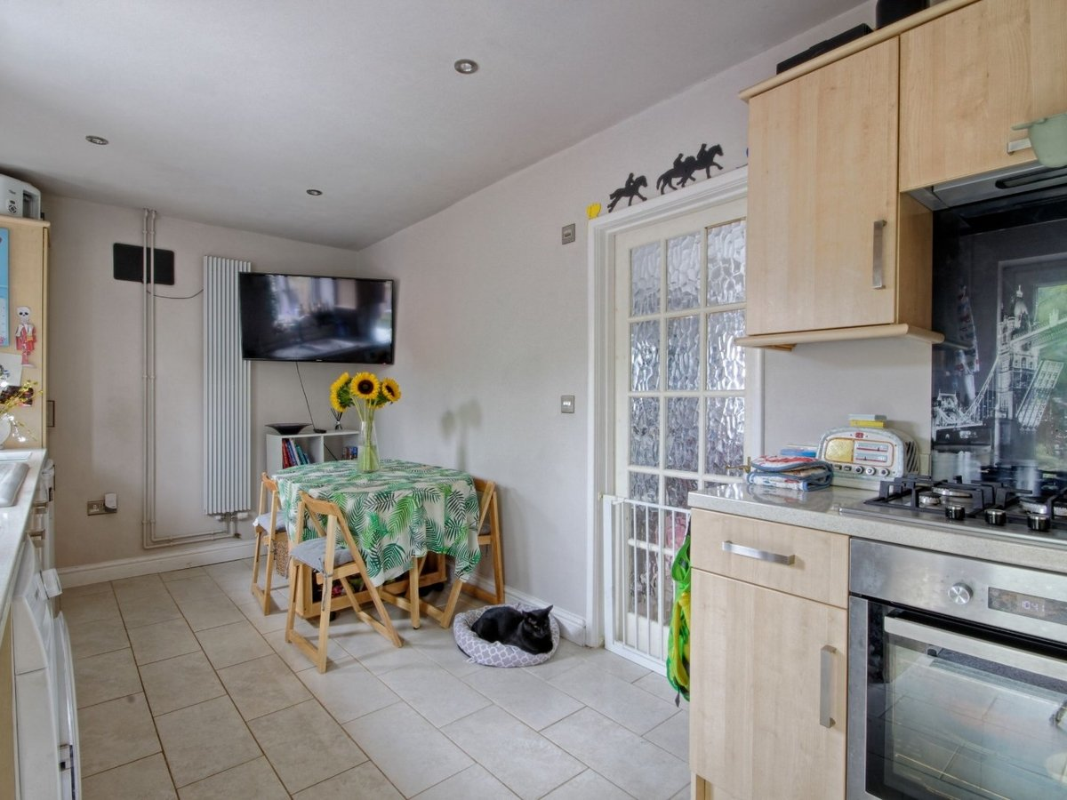 2 bedroom  House for sale in Gloucestershire - Slide-5