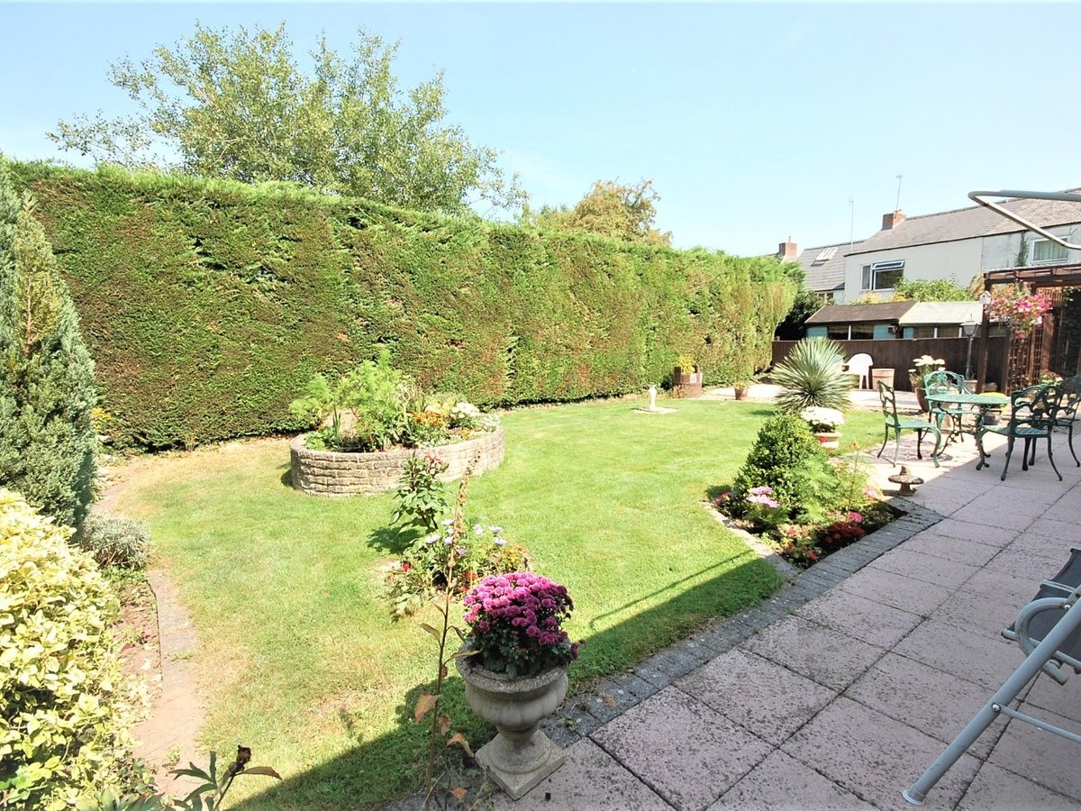 3 bedroom  Bungalow for sale in Gloucestershire - Slide-14