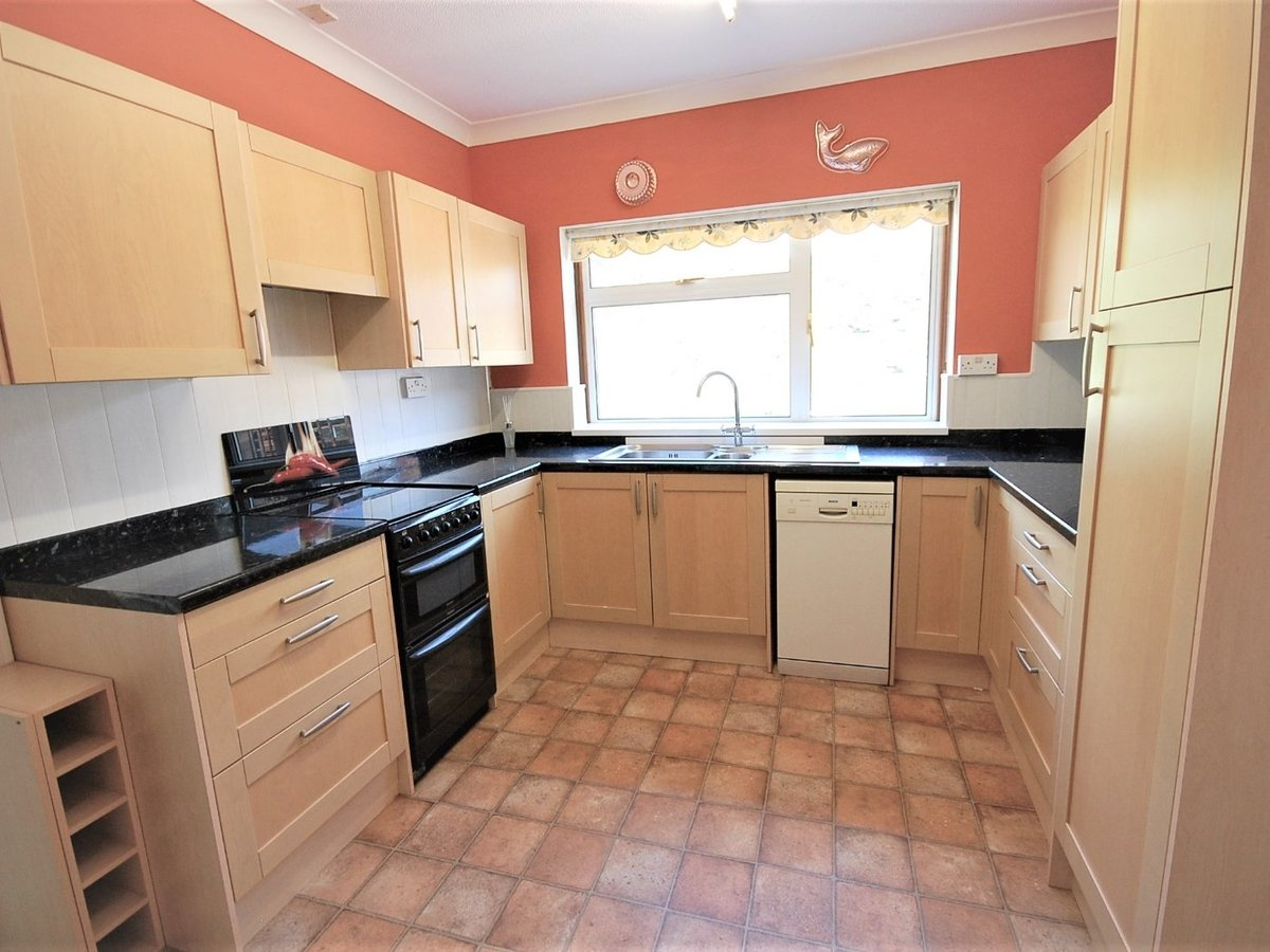 3 bedroom  Bungalow for sale in Gloucestershire - Slide-12