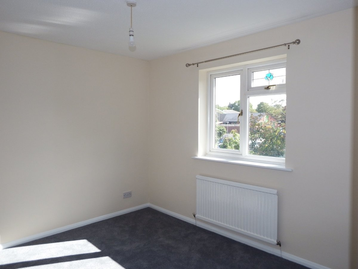 4 bedroom  House to rent in Gloucestershire - Slide-10