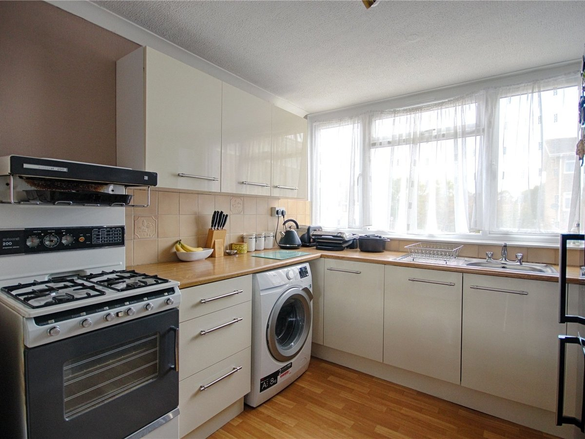 2 bedroom  Flat/Apartment for sale in Tewkesbury - Slide-4