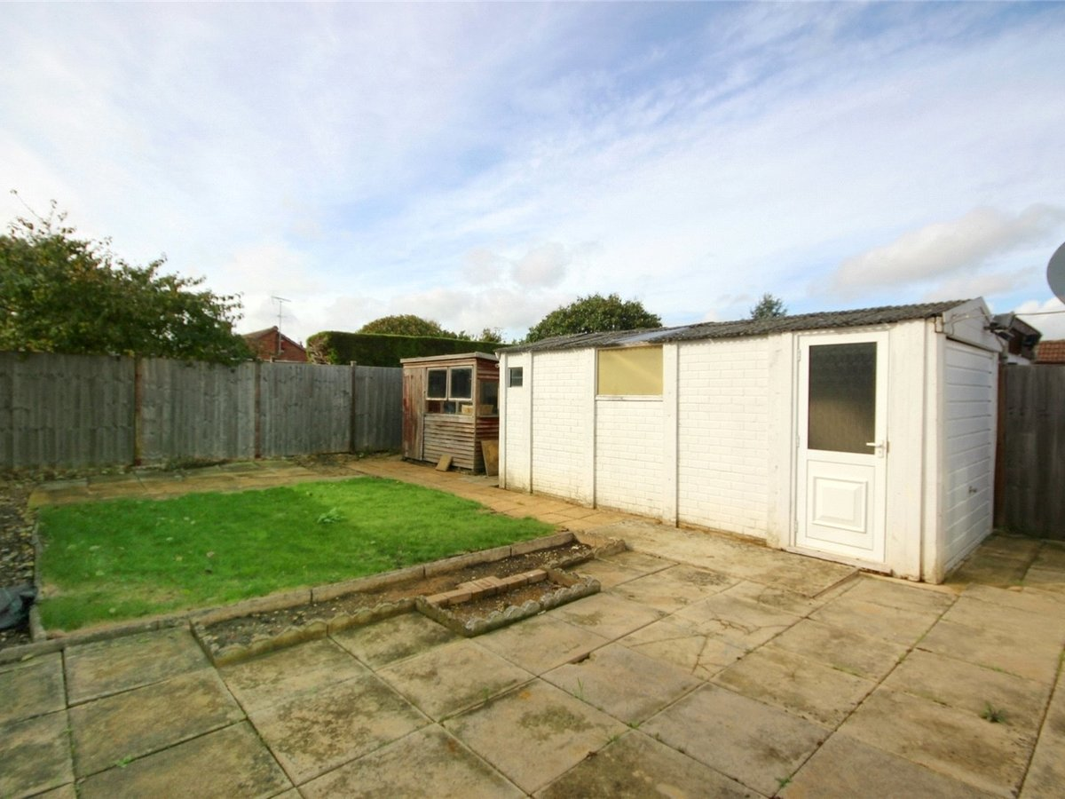 2 bedroom  Bungalow for sale in Gloucestershire - Slide-7