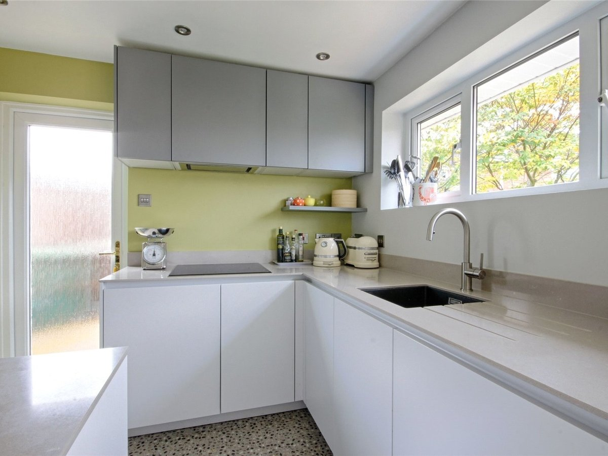 2 bedroom  Bungalow for sale in Gloucestershire - Slide-12