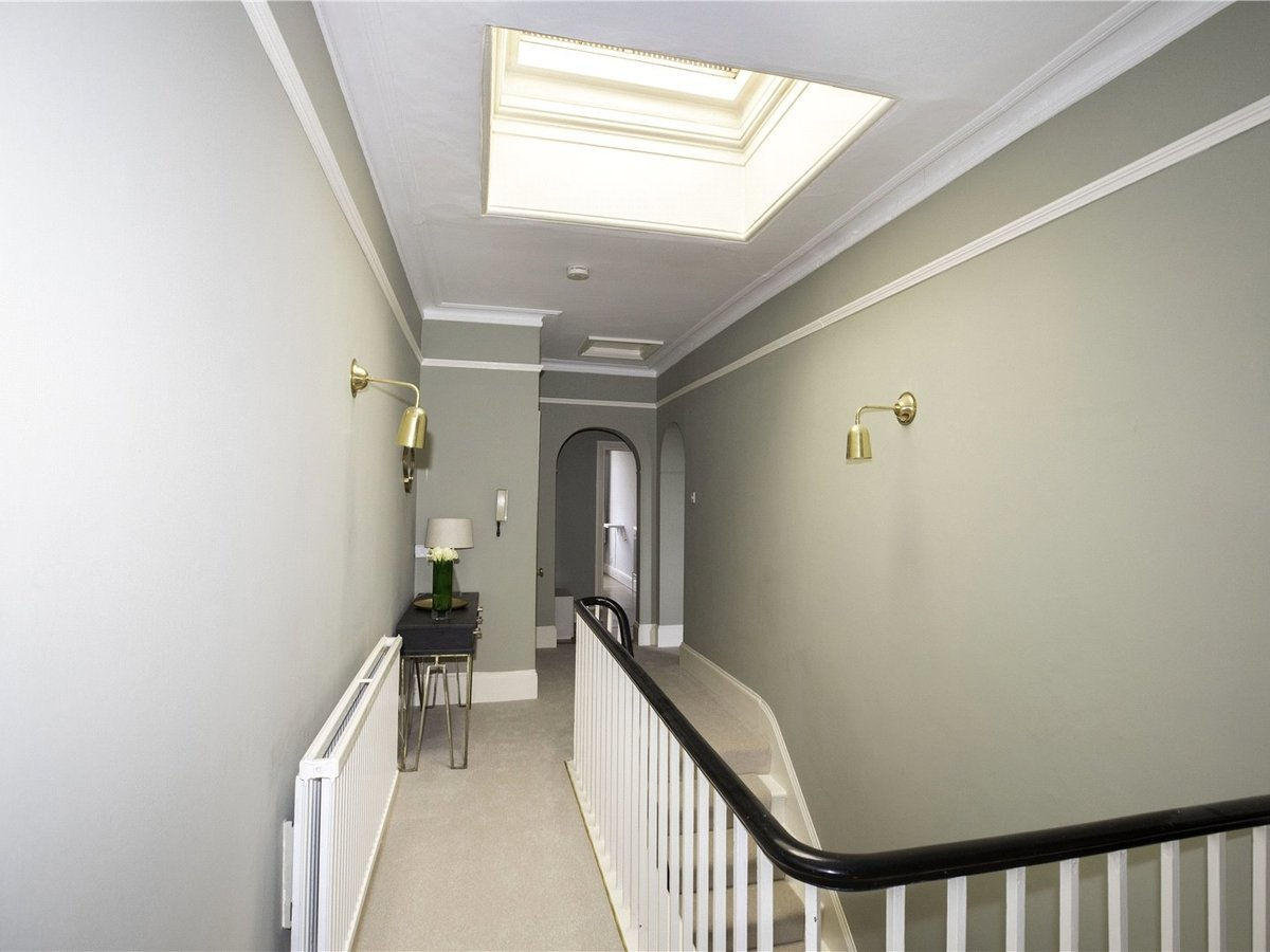 2 bedroom  Flat/Apartment for sale in Gloucestershire - Slide-10