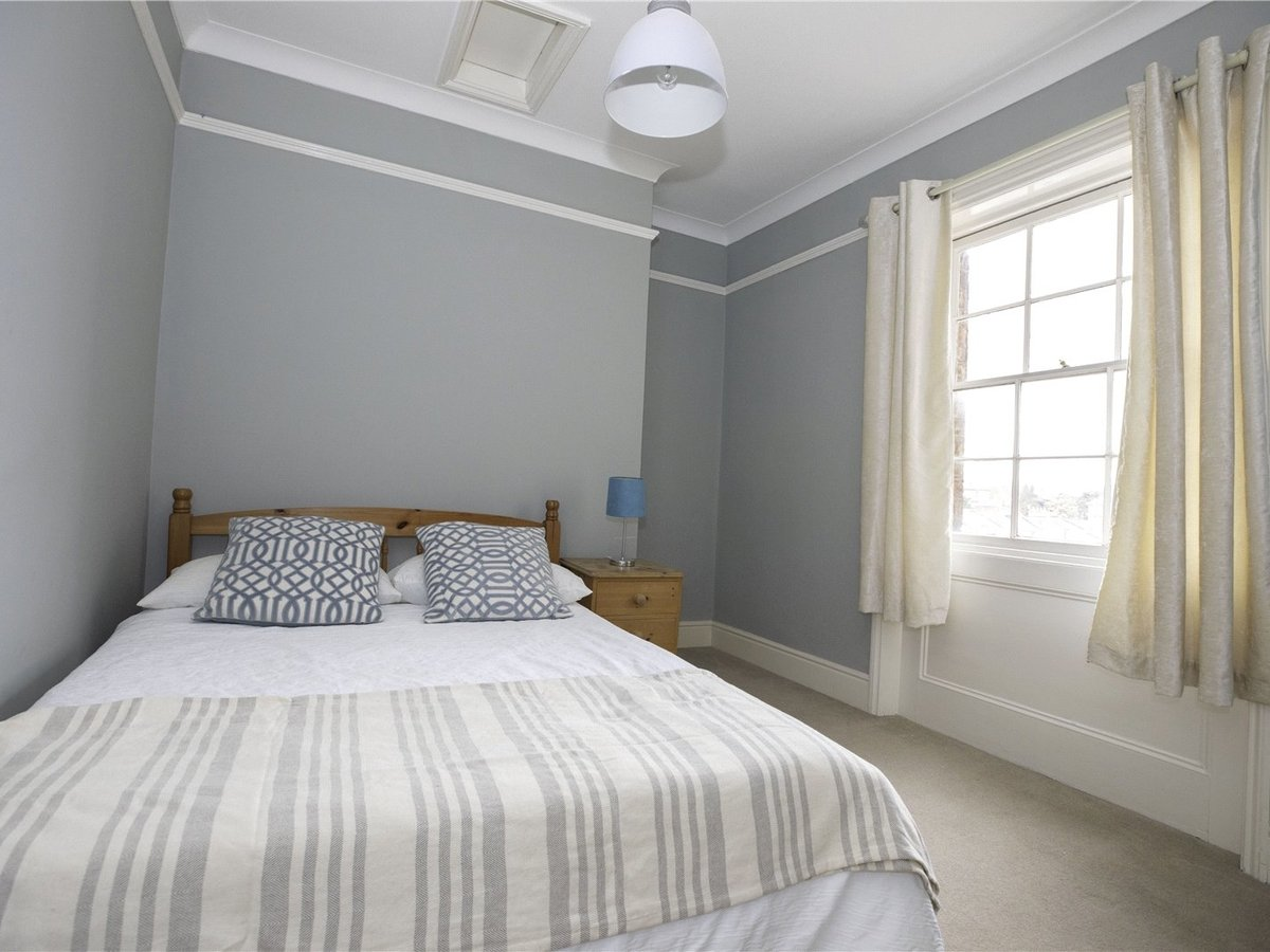 2 bedroom  Flat/Apartment for sale in Gloucestershire - Slide-12