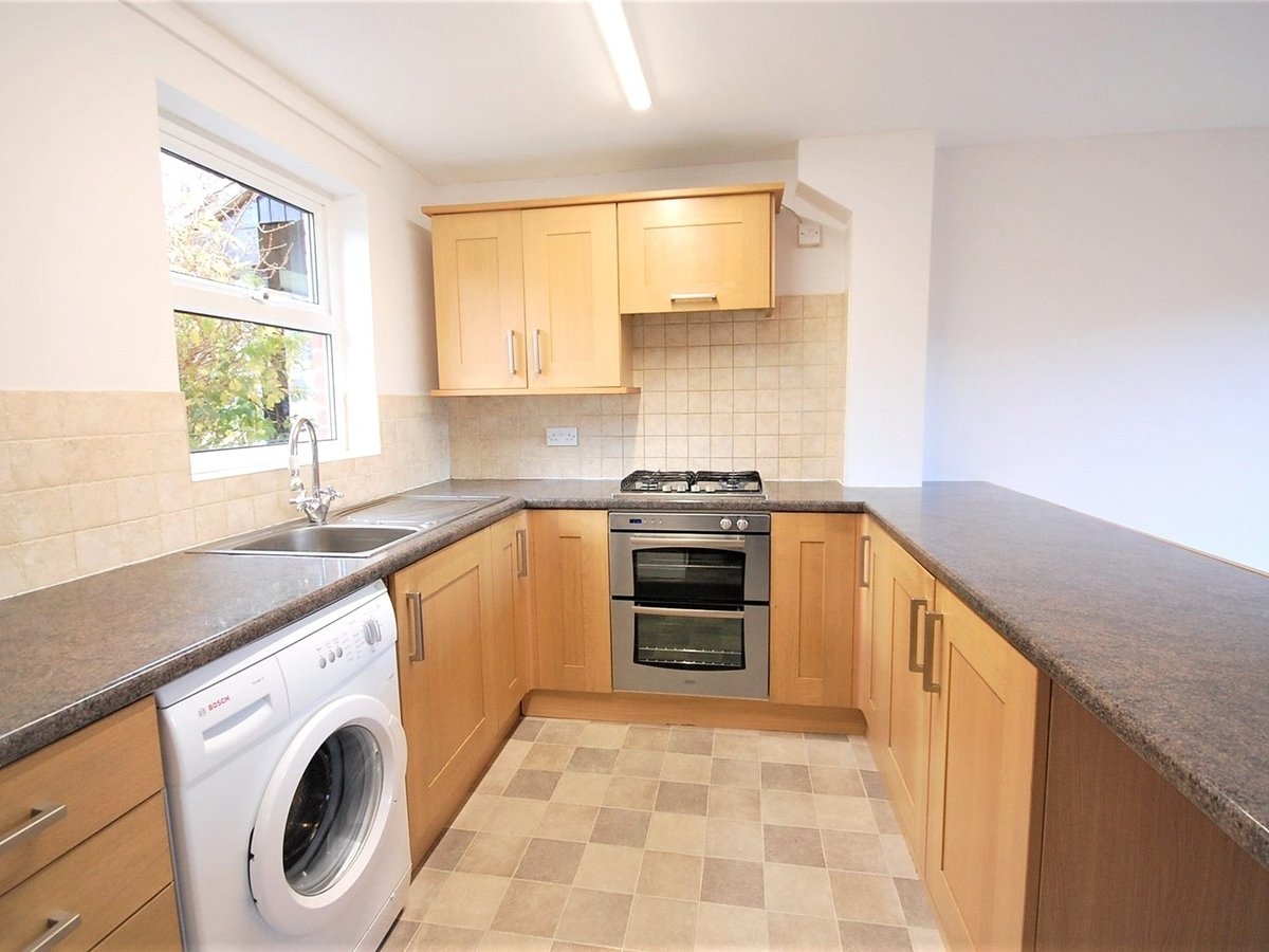 3 bedroom  House for sale in Cheltenham - Slide-3