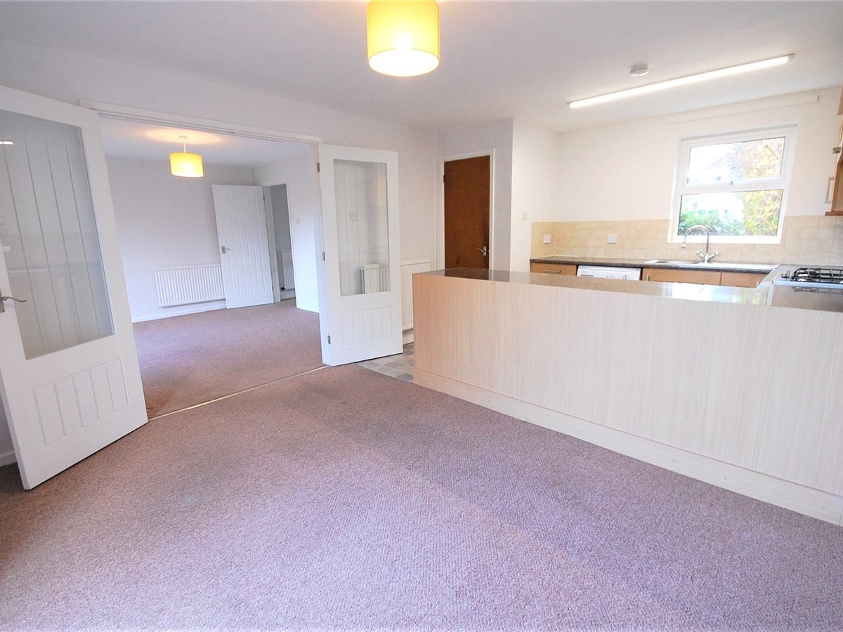 3 bedroom  House for sale in Cheltenham - Slide-2