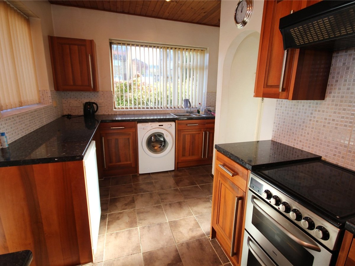 2 bedroom  House for sale in Cheltenham - Slide-5