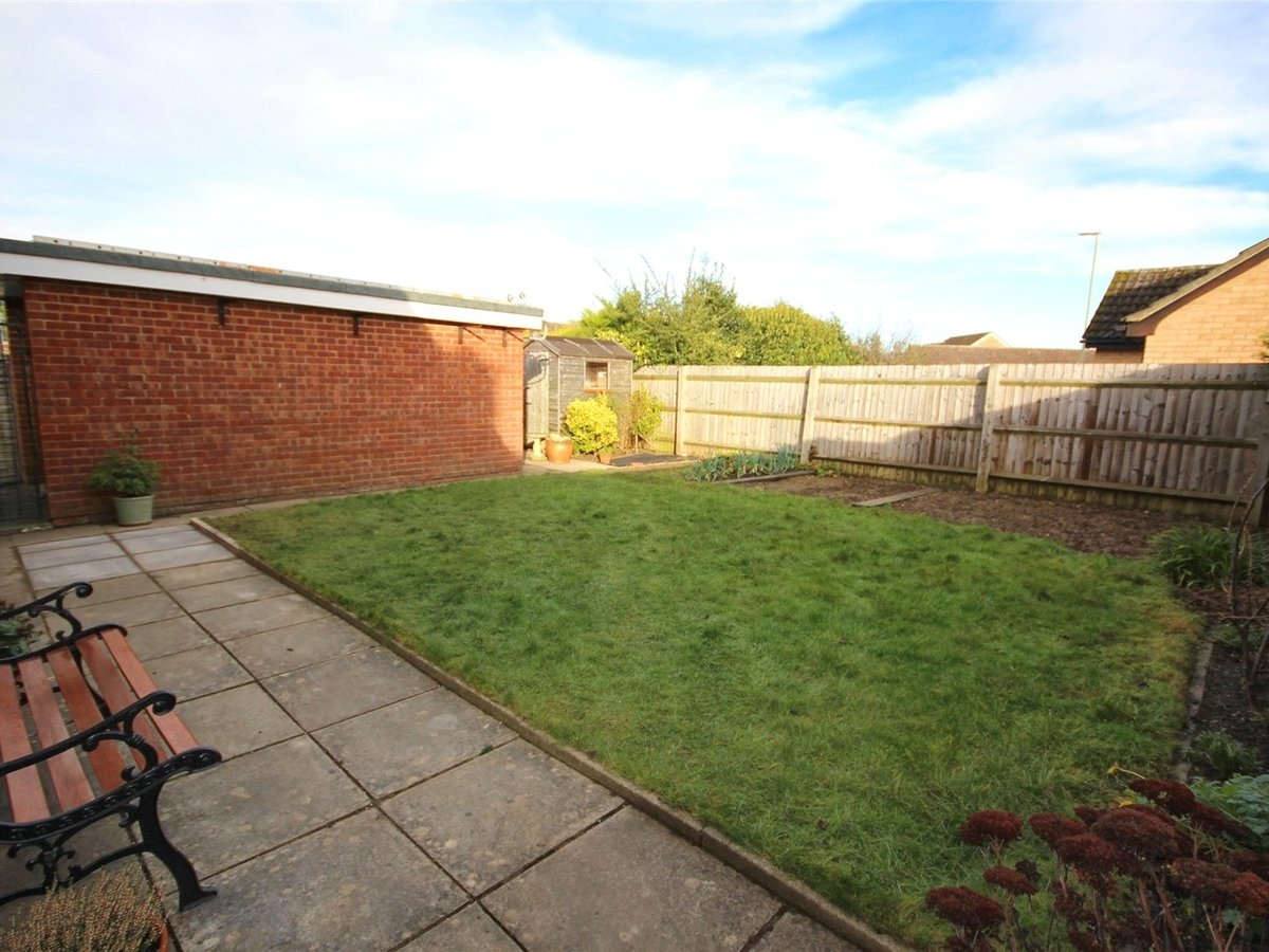 2 bedroom  Bungalow for sale in Gloucestershire - Slide-6