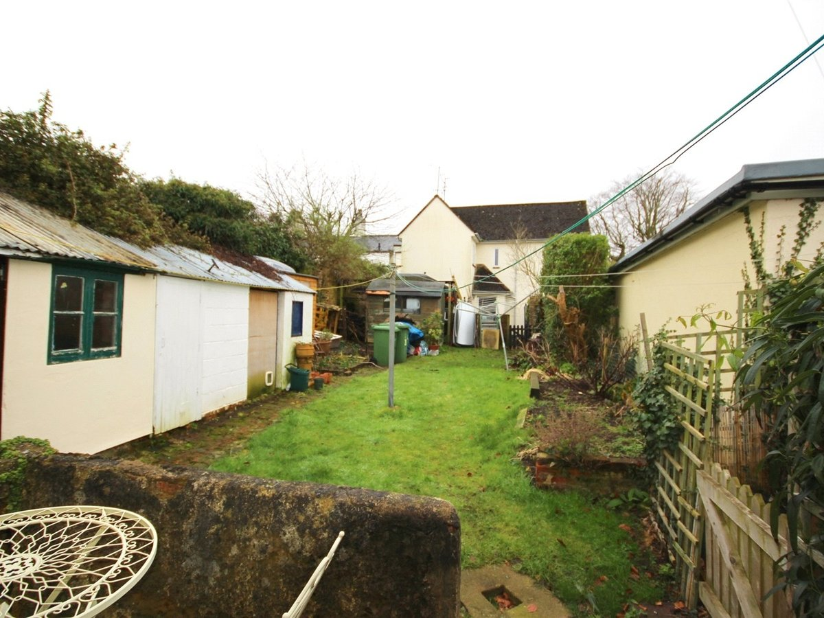 1 bedroom  House for sale in Cheltenham - Slide-11