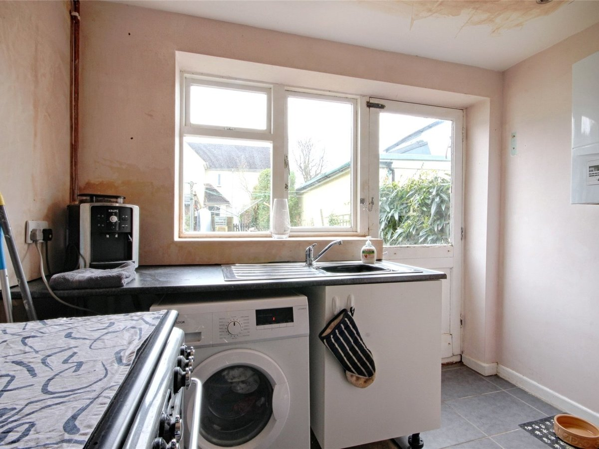 1 bedroom  House for sale in Cheltenham - Slide-5