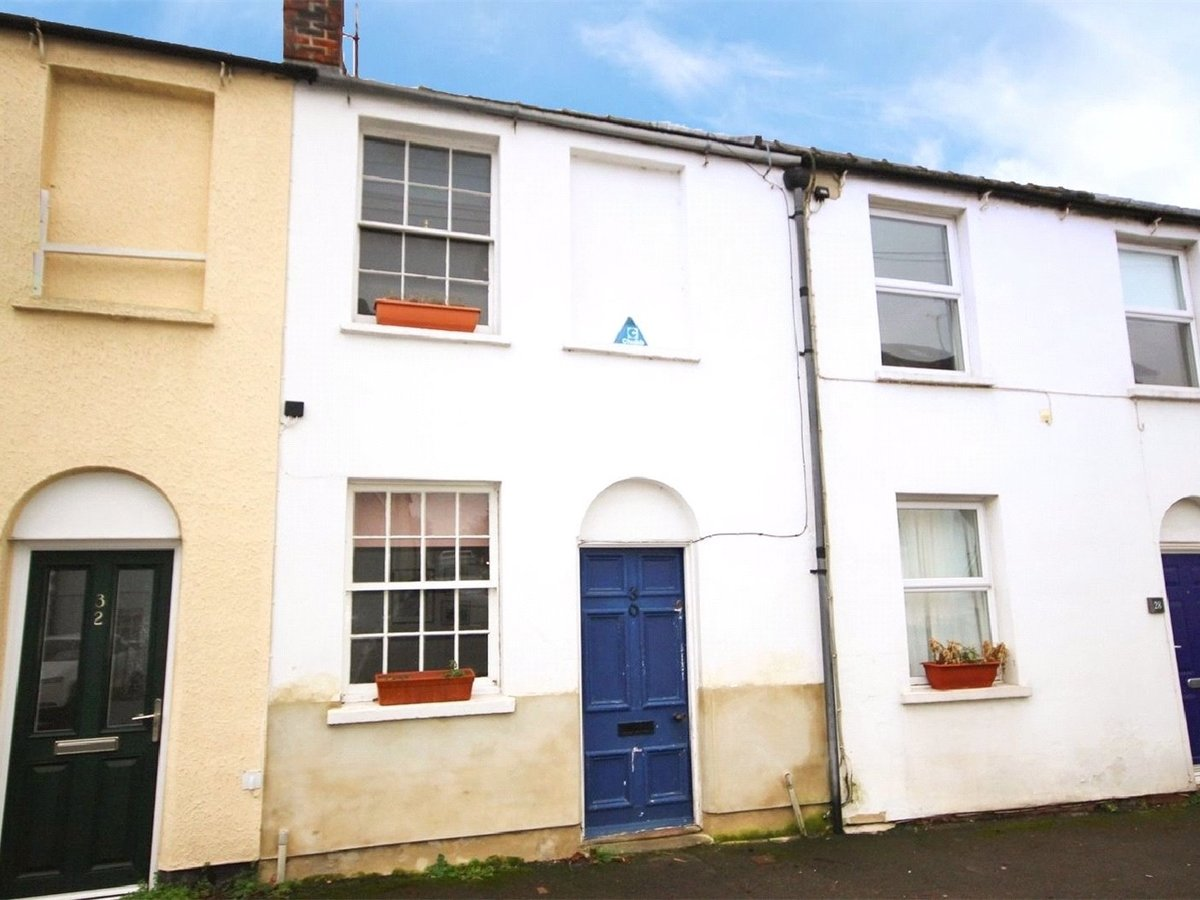 1 bedroom  House for sale in Cheltenham - Slide-1