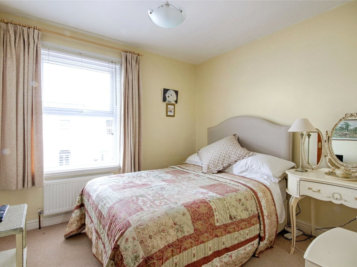 2 bedroom  House for sale in Gloucestershire - Slide-10