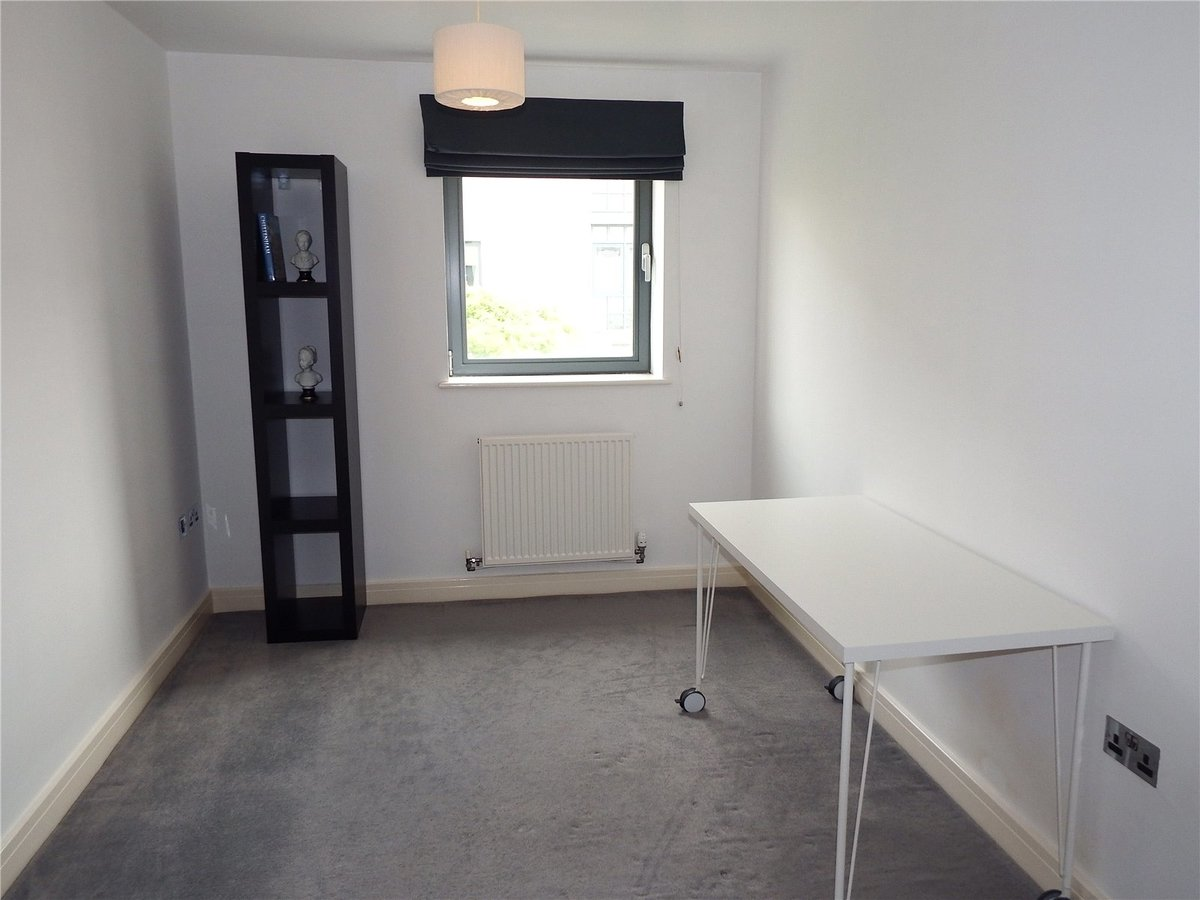 2 bedroom  Flat/Apartment to rent in Gloucestershire - Slide-5