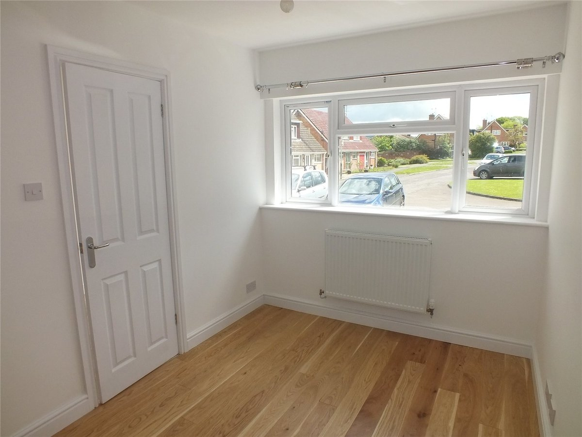 4 bedroom  House to rent in Gloucestershire - Slide-8