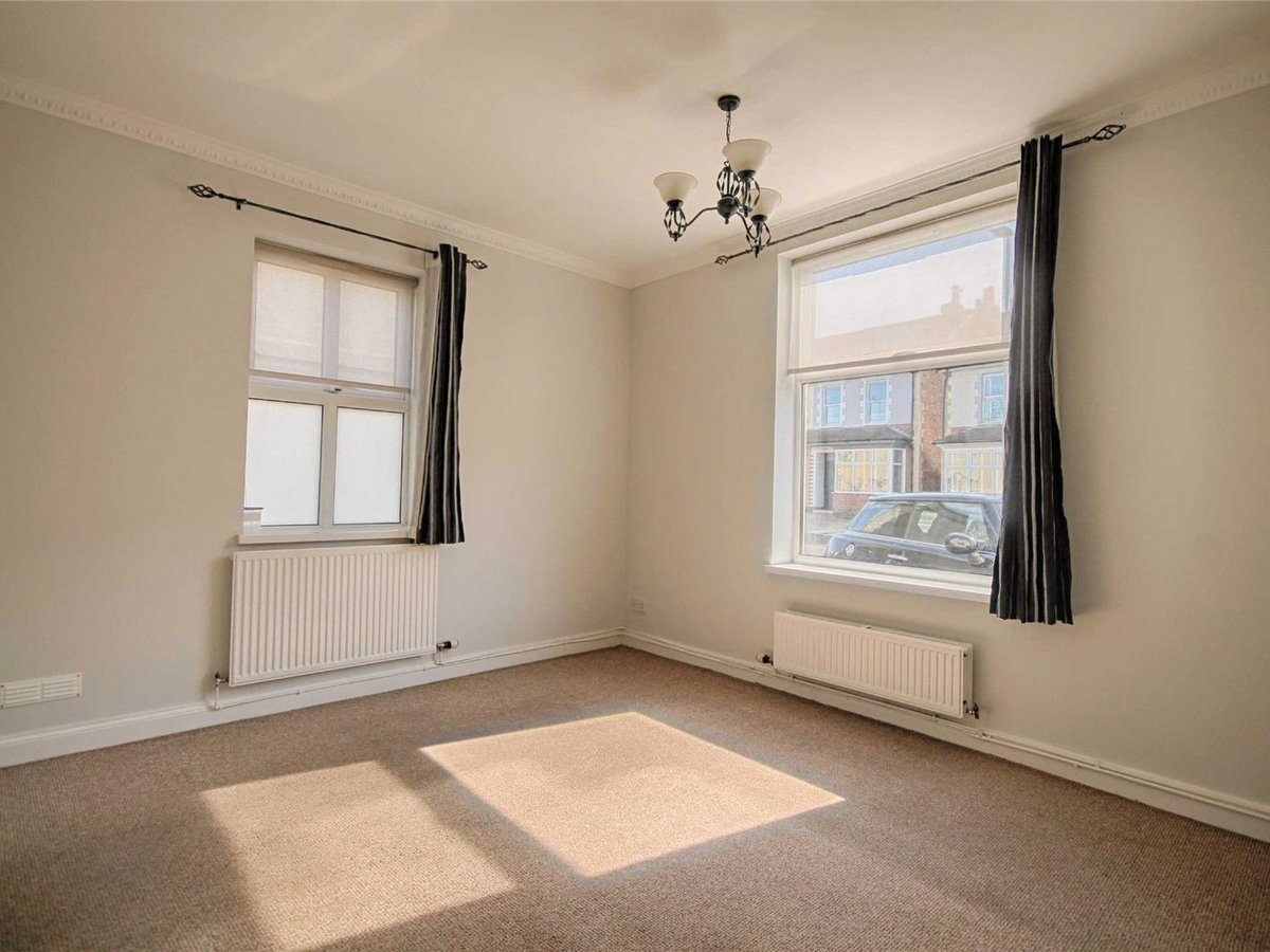 1 bedroom  Flat/Apartment to rent in Gloucestershire - Slide-4