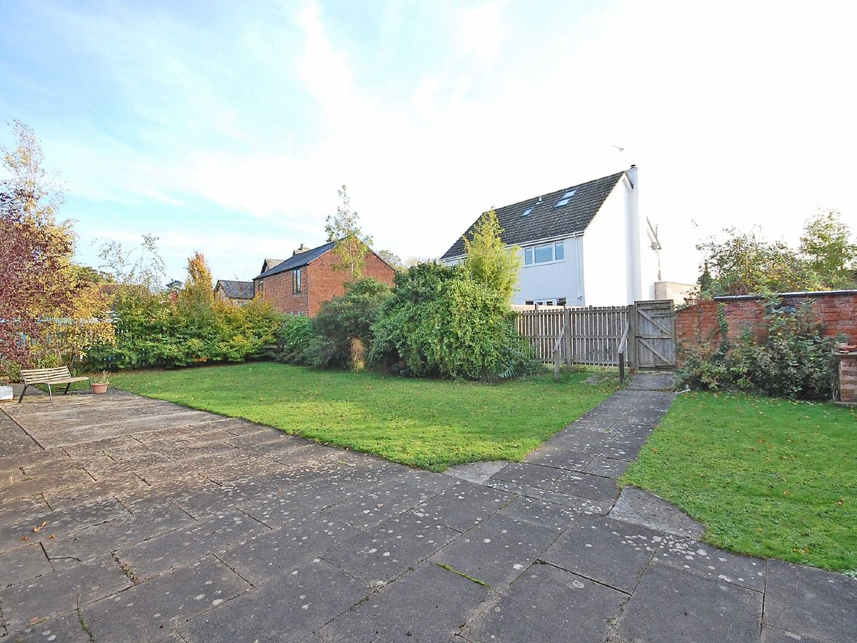 5 bedroom  House for sale in Gloucestershire - Slide-3