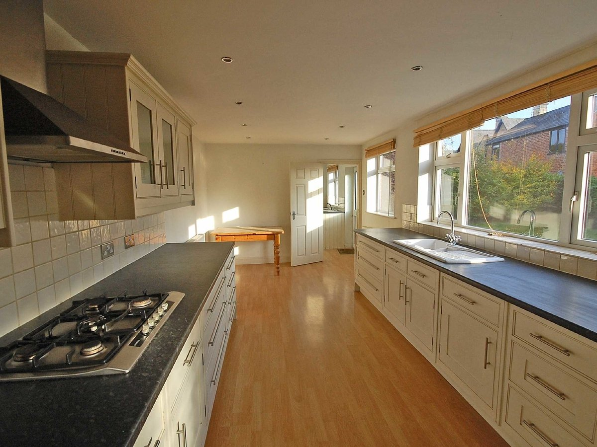 5 bedroom  House for sale in Gloucestershire - Slide-4