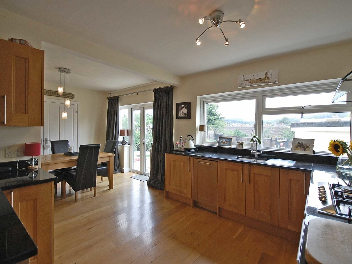 4 bedroom  House for sale in Gloucestershire - Slide-4