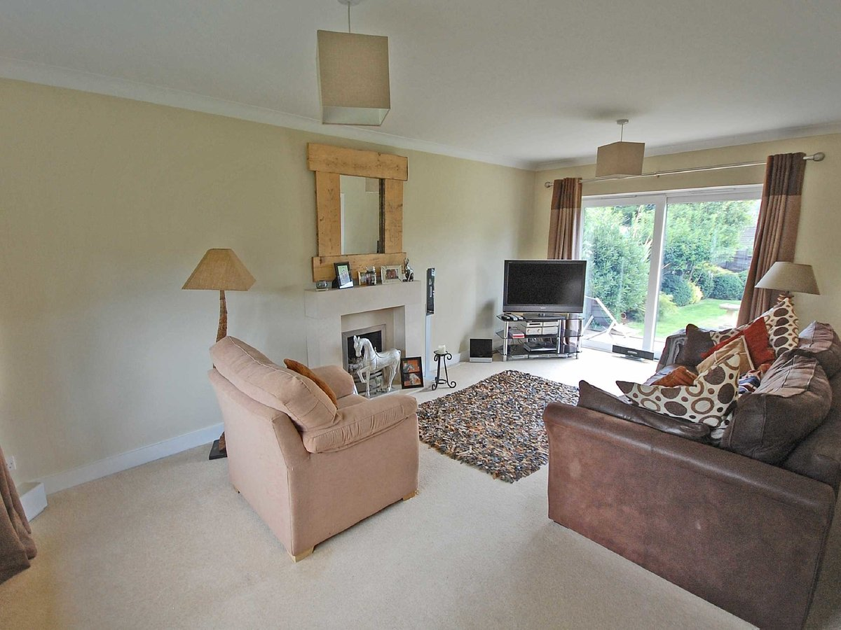 4 bedroom  House for sale in Gloucestershire - Slide-12