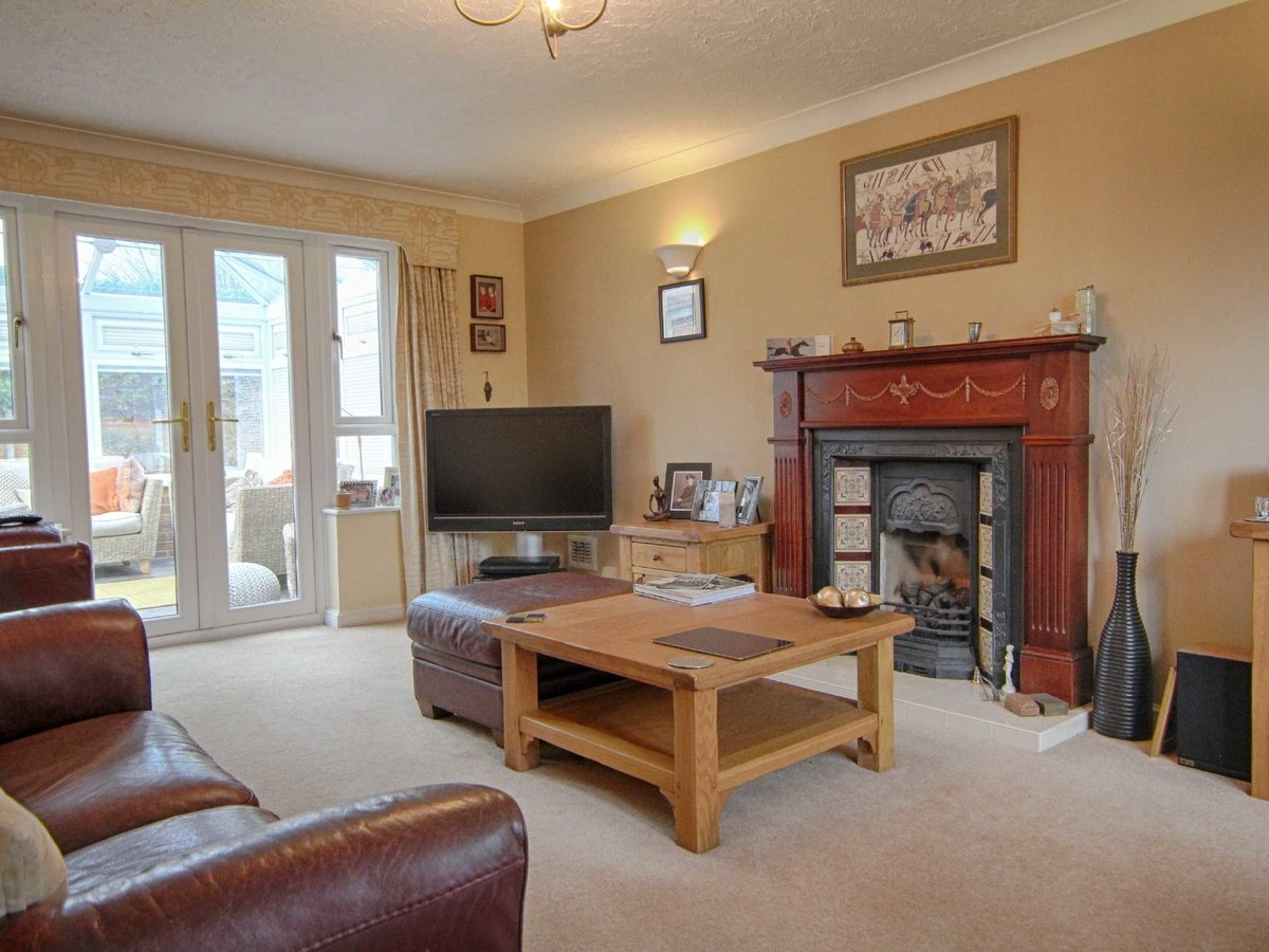 4 bedroom  House for sale in Gloucestershire - Slide-21