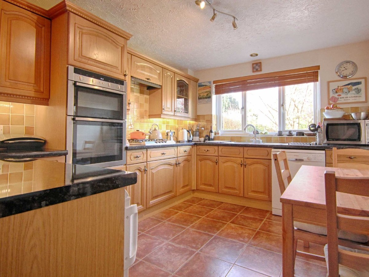 4 bedroom  House for sale in Gloucestershire - Slide-22