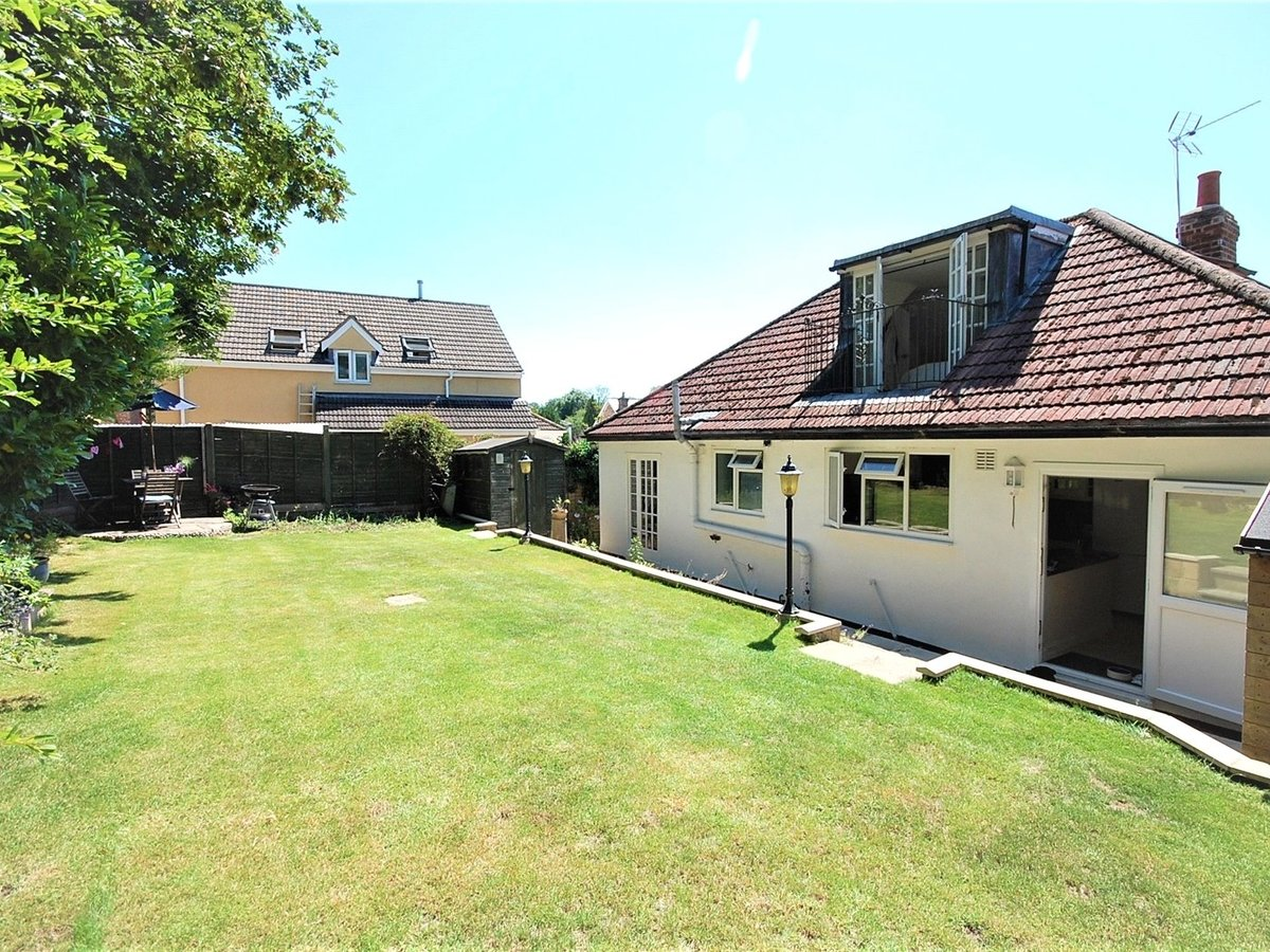 4 bedroom  House for sale in Gloucestershire - Slide-2