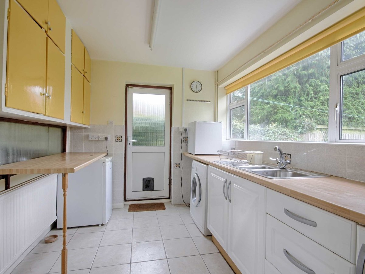 3 bedroom  House for sale in Gloucestershire - Slide-7