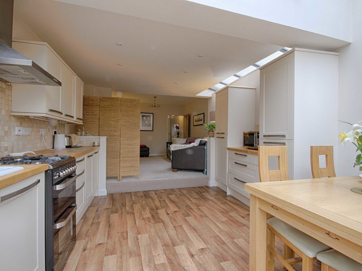 3 bedroom  House for sale in Gloucestershire - Slide-8