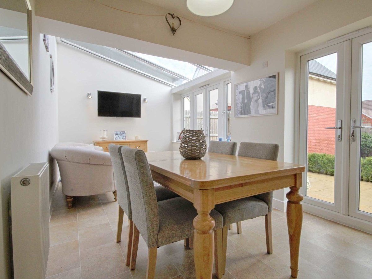 4 bedroom  House for sale in Gloucestershire - Slide-7