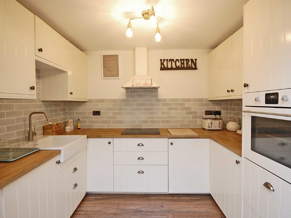 2 bedroom  House for sale in Gloucestershire - Slide-16