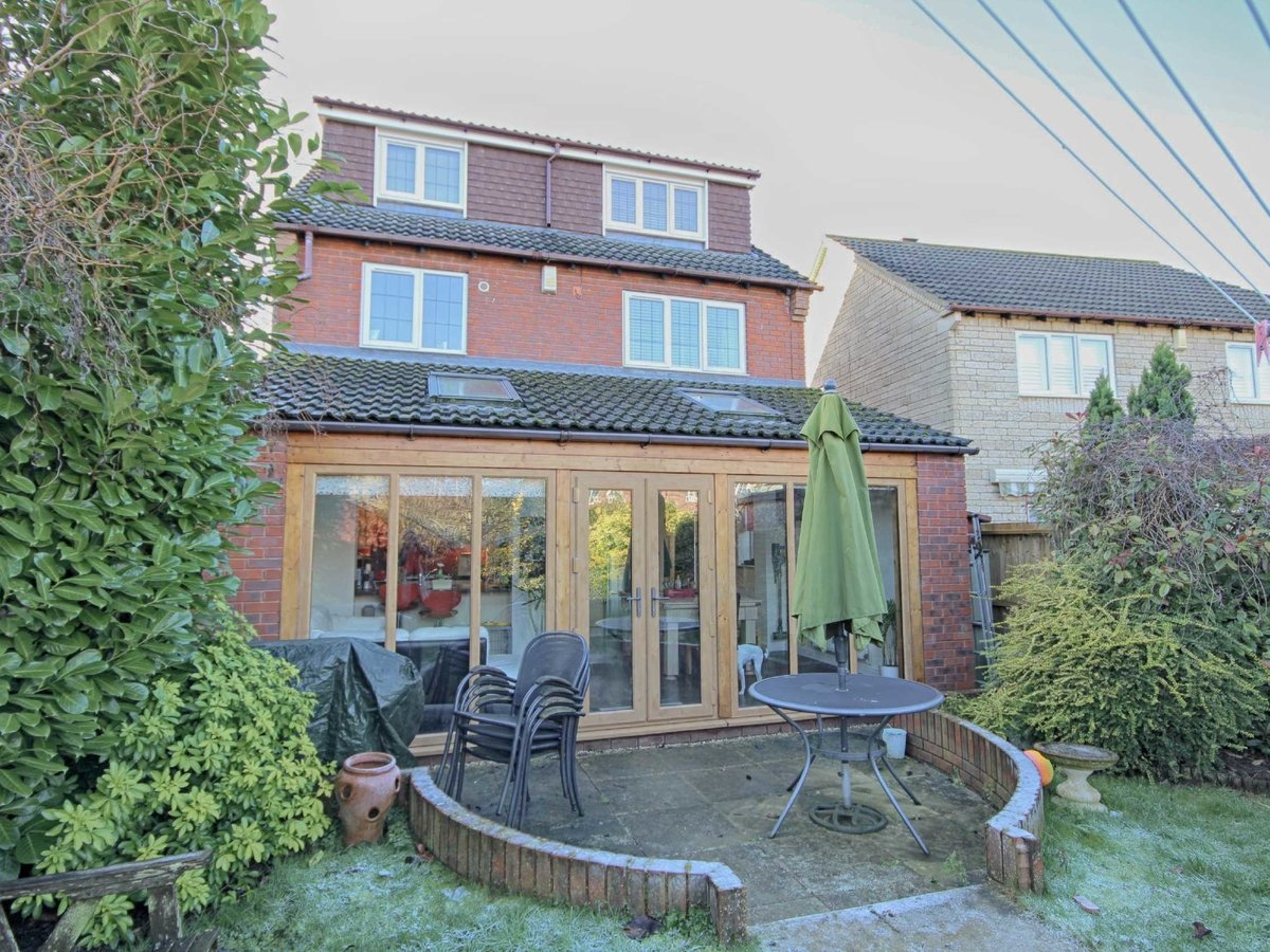 4 bedroom  House for sale in Gloucestershire - Slide-15