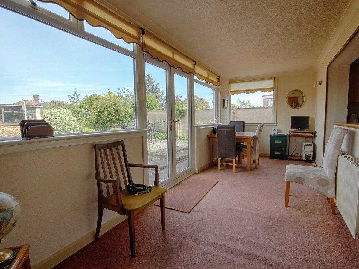 2 bedroom  Bungalow for sale in Gloucestershire - Slide-5