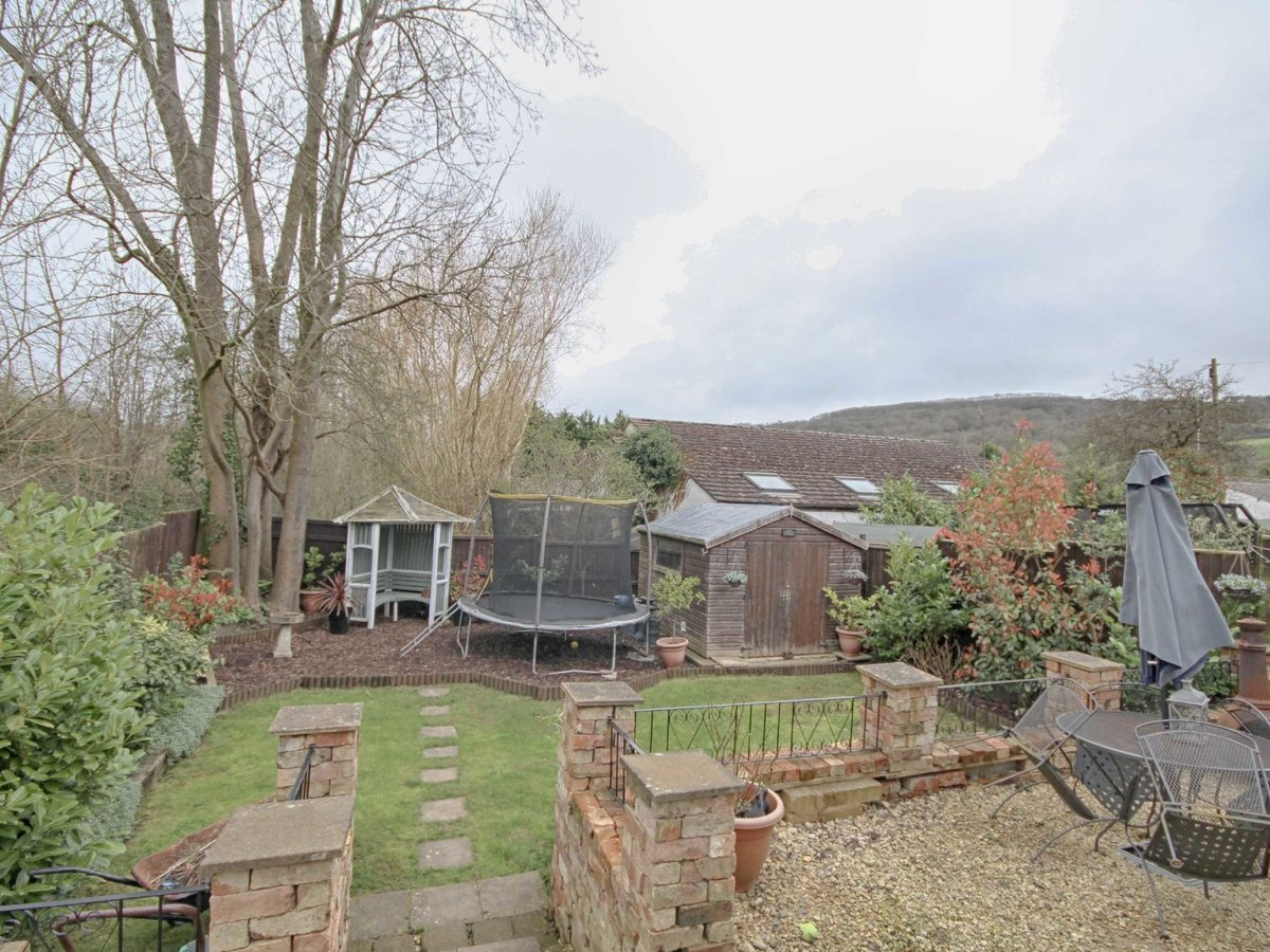 2 bedroom  House for sale in Gloucestershire - Slide-20