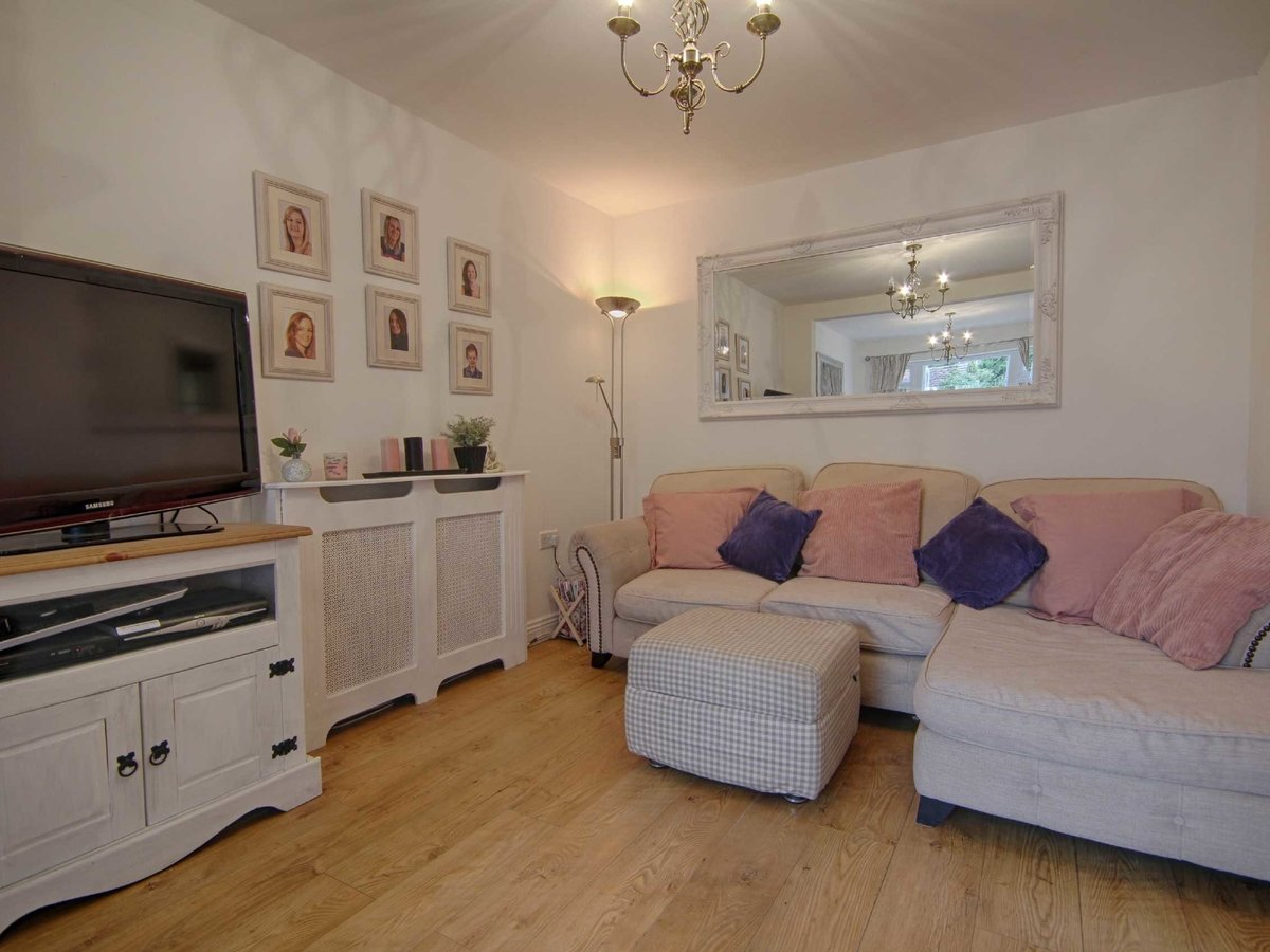 2 bedroom  House for sale in Gloucestershire - Slide-19