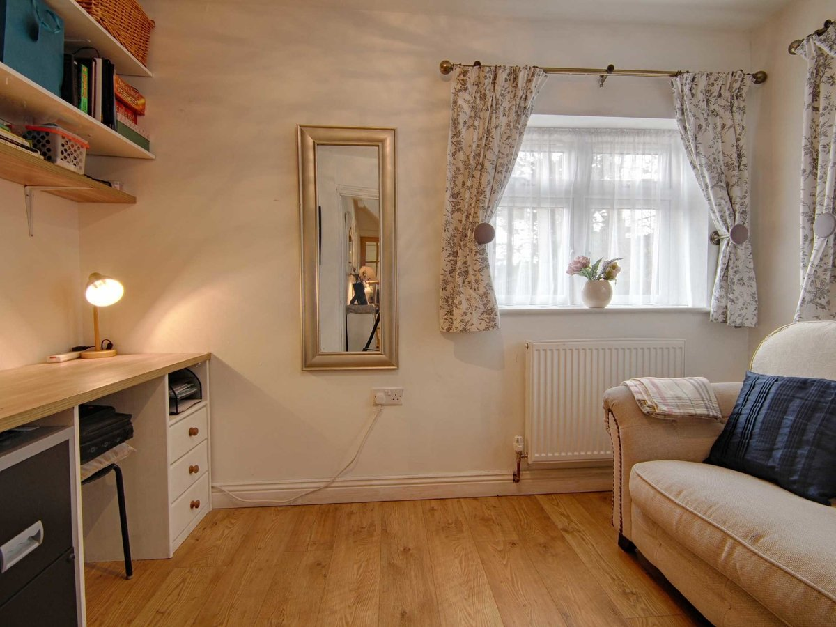2 bedroom  House for sale in Gloucestershire - Slide-7