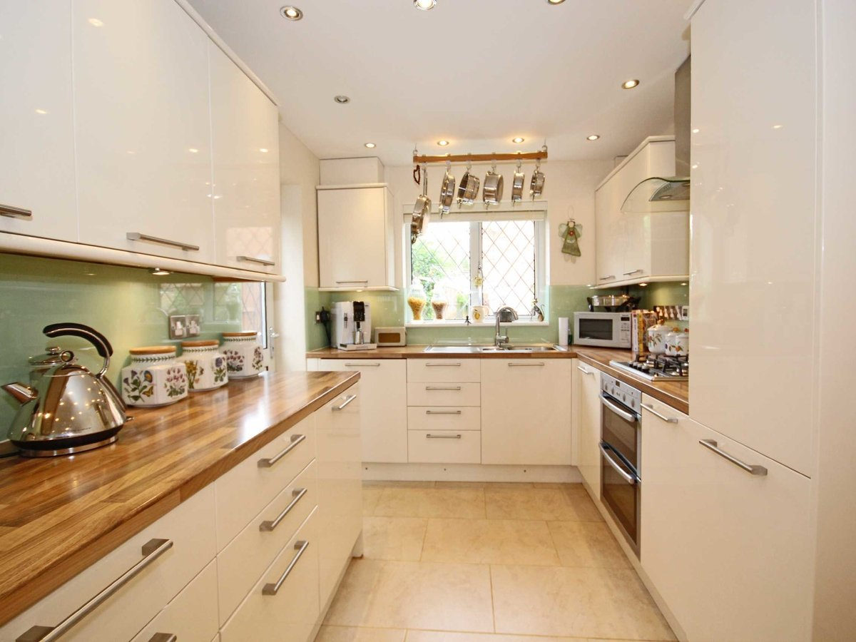 4 bedroom  House for sale in Gloucestershire - Slide-18