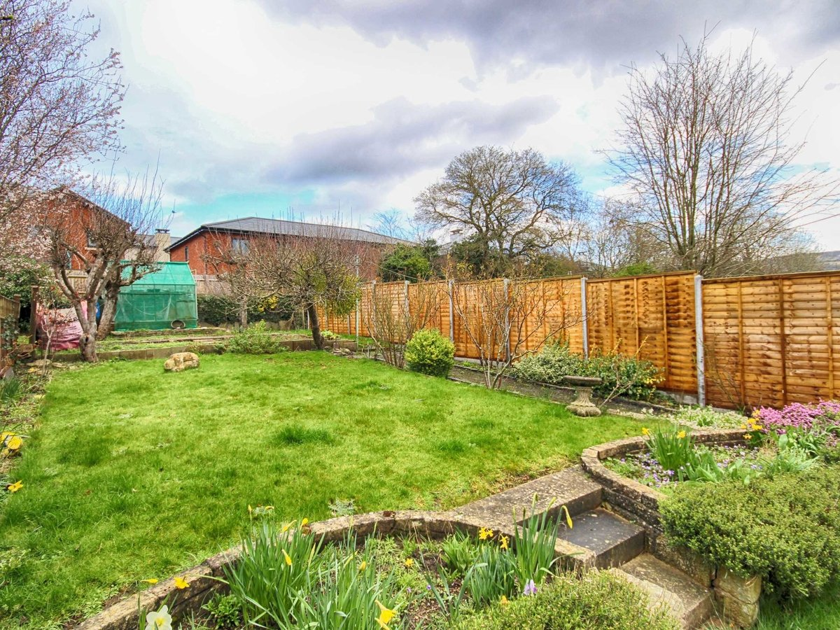 3 bedroom  House for sale in Gloucestershire - Slide-9