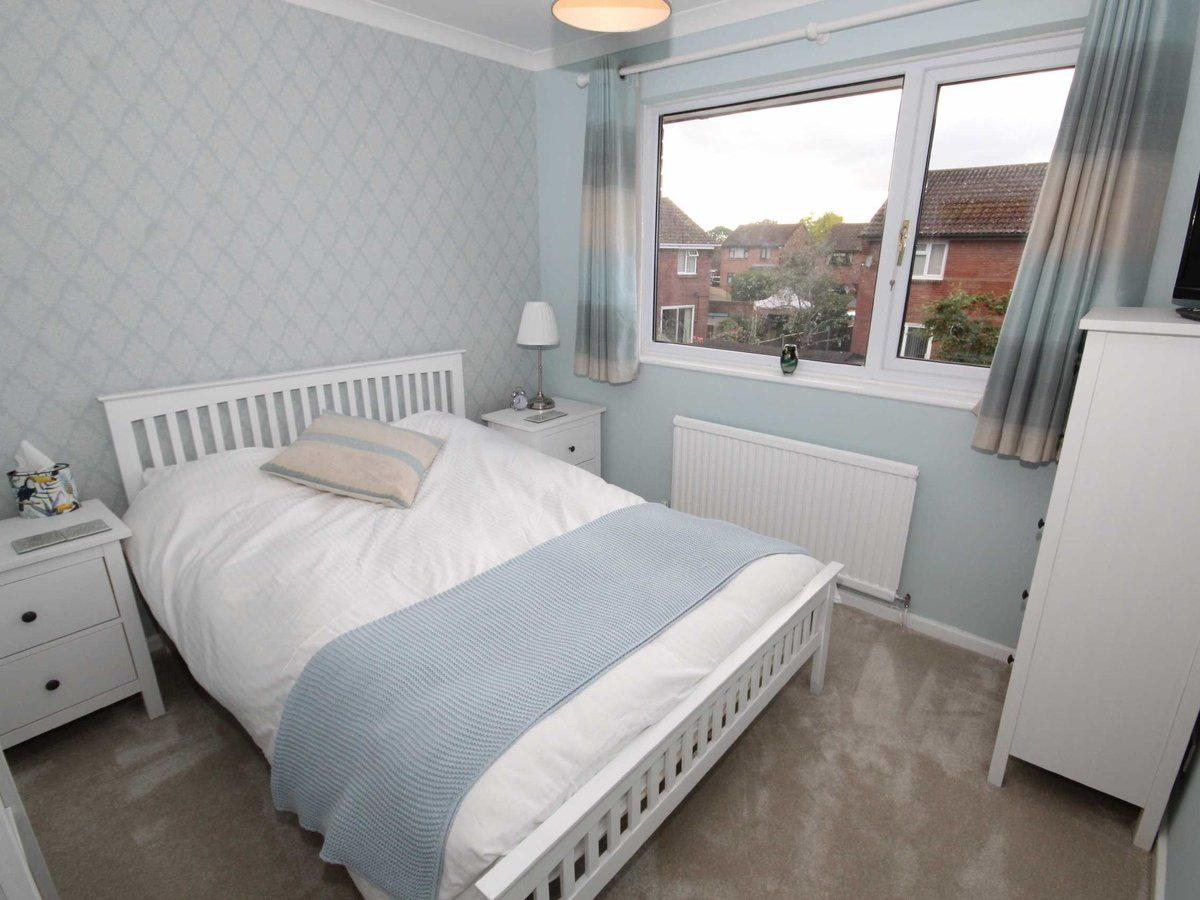 4 bedroom  House for sale in Gloucestershire - Slide-16