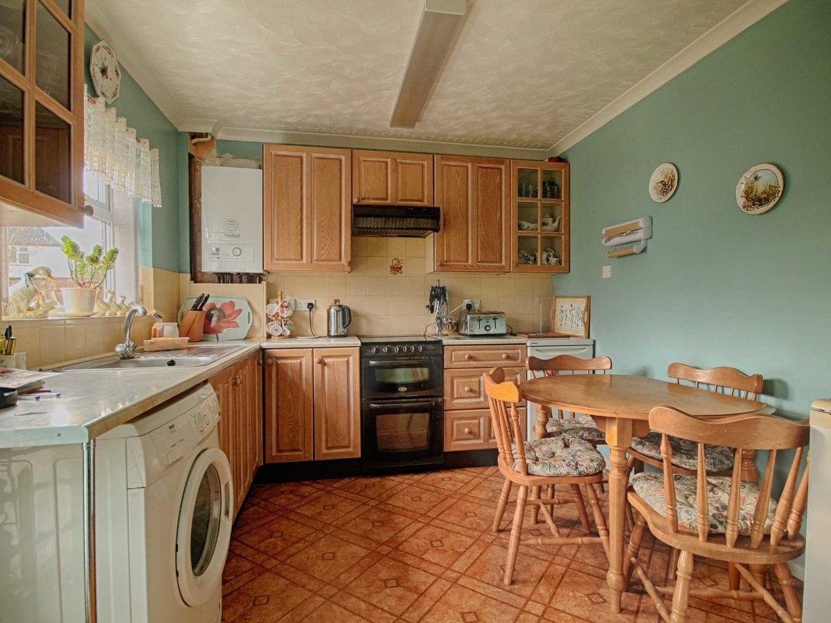 3 bedroom  House for sale in Gloucestershire - Slide-13
