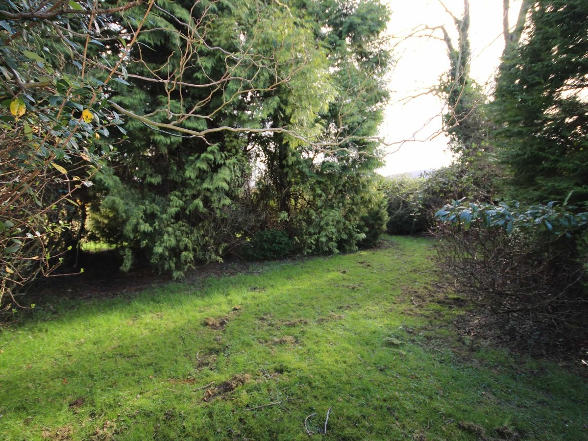 2 bedroom  Bungalow for sale in Gloucestershire - Slide-16
