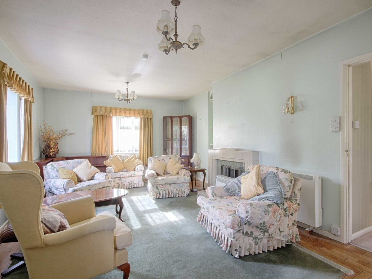 2 bedroom  Bungalow for sale in Gloucestershire - Slide-19