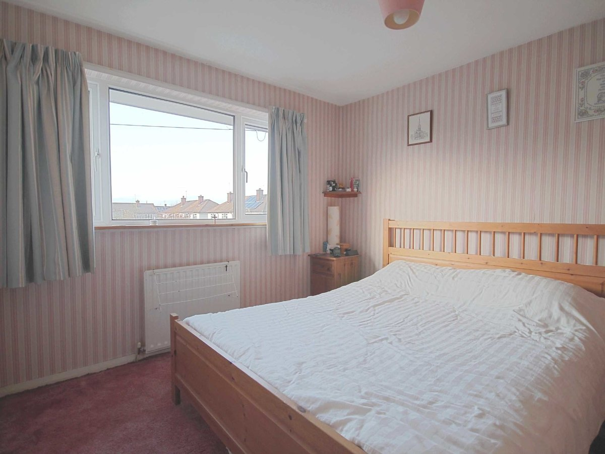 3 bedroom  House for sale in Gloucestershire - Slide-6