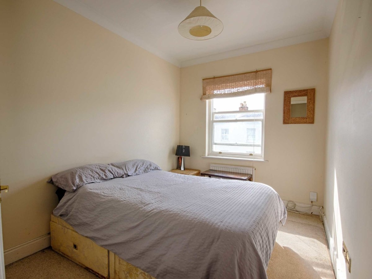 2 bedroom  Flat/Apartment for sale in Gloucestershire - Slide-14