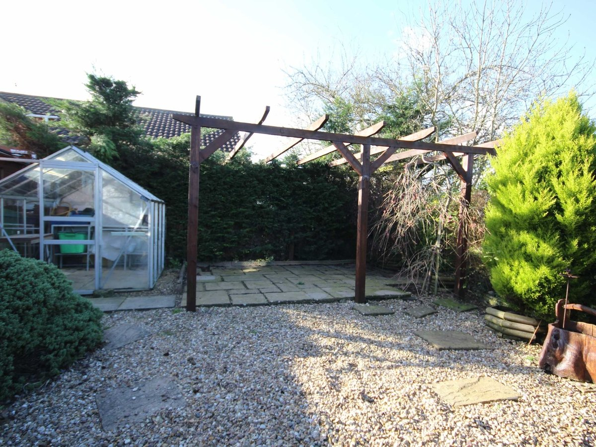 2 bedroom  Bungalow for sale in Gloucestershire - Slide-10
