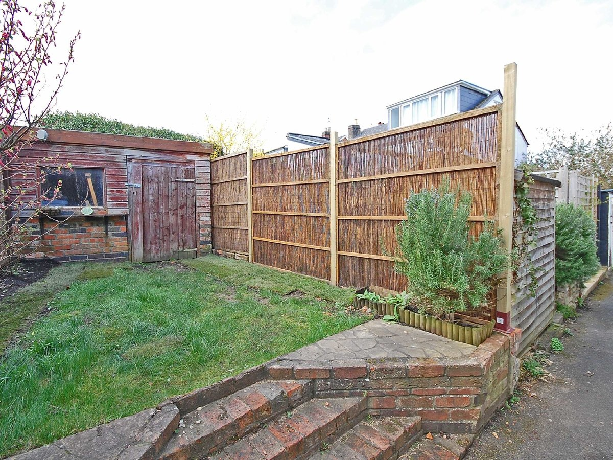 1 bedroom  House for sale in Gloucestershire - Slide-7