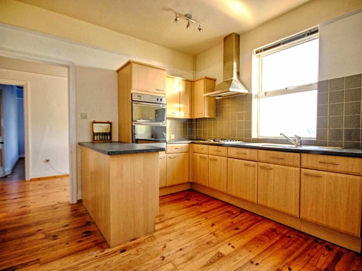3 bedroom  Flat/Apartment for sale in Gloucestershire - Slide-14