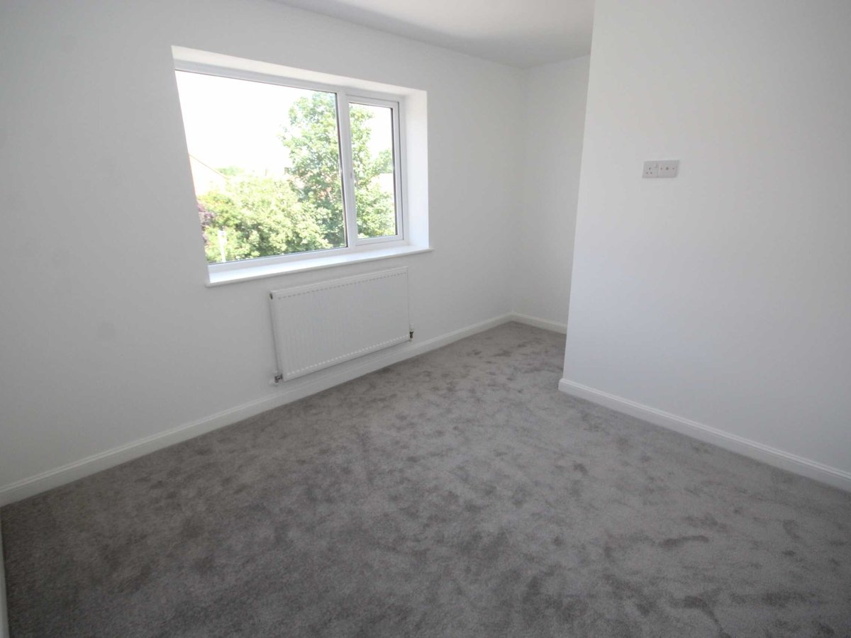 2 bedroom  House for sale in Gloucestershire - Slide-6