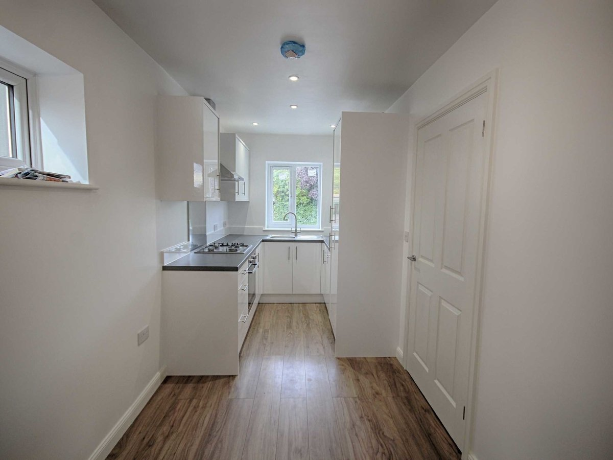2 bedroom  House for sale in Gloucestershire - Slide-3